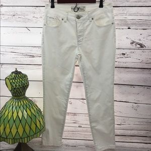 Denim - beija flor NWOT Size 8/29 White Stretch Jean